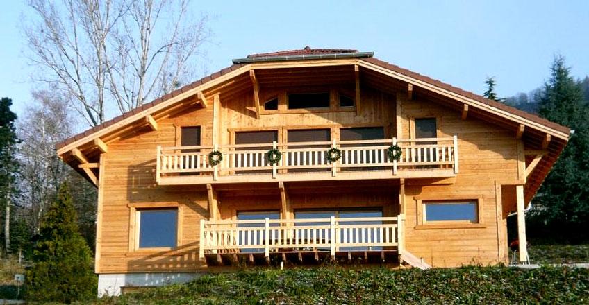 Maison et chalet en bois stunning merveilleux comment construire une maison ossature bois - Comment poser du shingle ...